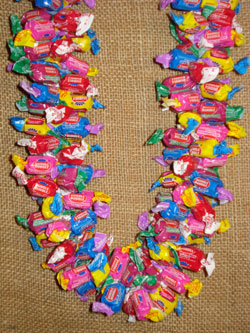 Giant Multi-flavor Dubble Bubble Candy Leis - Gum Lei